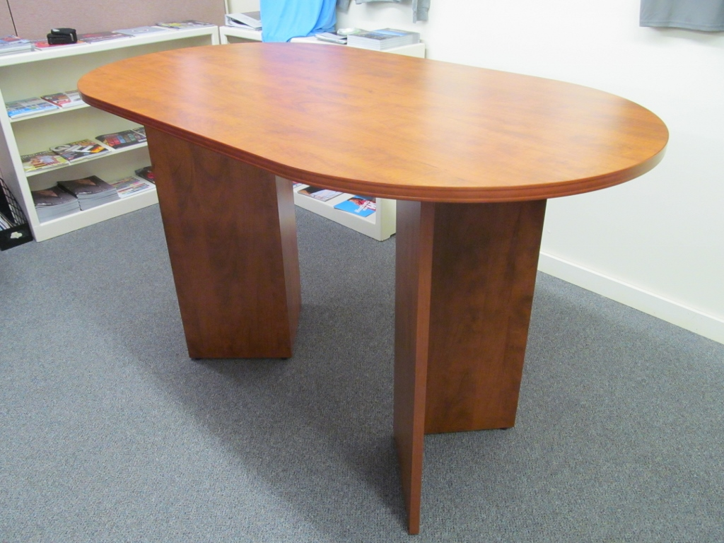Photos CUSTOM IS NOT A PROBLEM Fisher James - Stand up meeting table