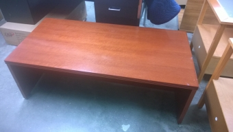 PRE-OWNED COFFEE TABLE